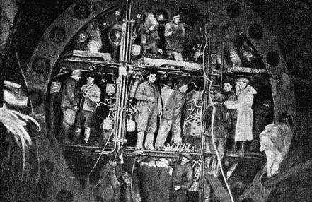 Сталинское тоннели (метро)